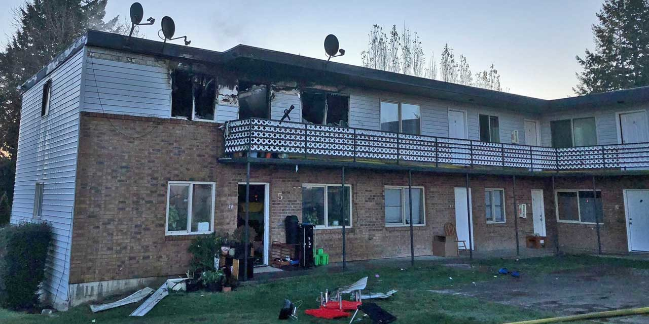 One killed, 30 displaced in apartment fire Saturday morning